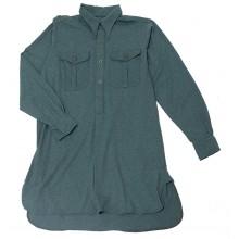 Рубашка зелёная с карманами